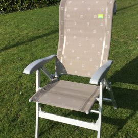 via mondo relaxer chair